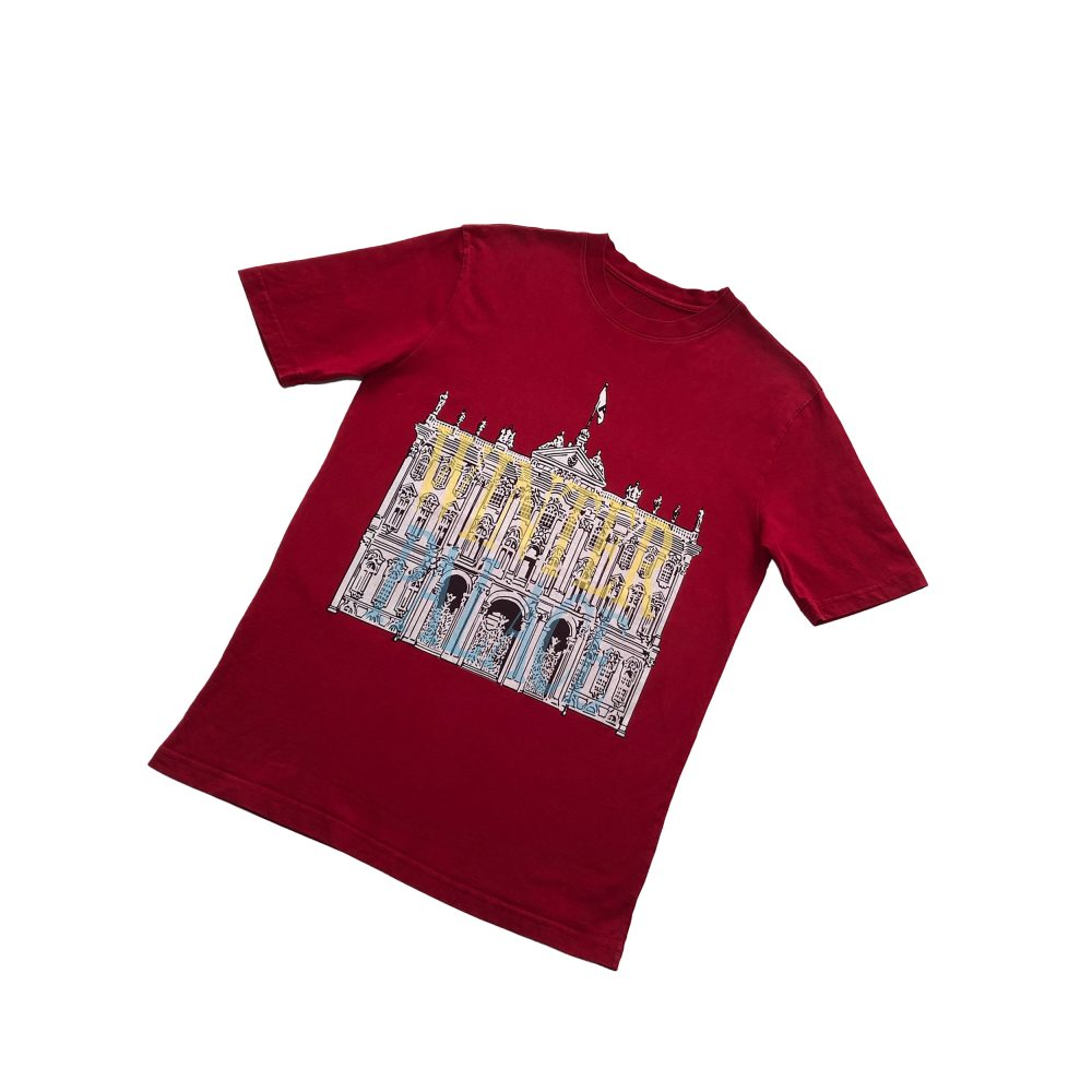 london_0000_palace london palace tee red large used front straight copy