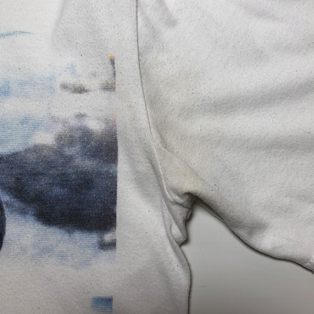 T2 Tee_0000_palace t2 tee white small flaw 2