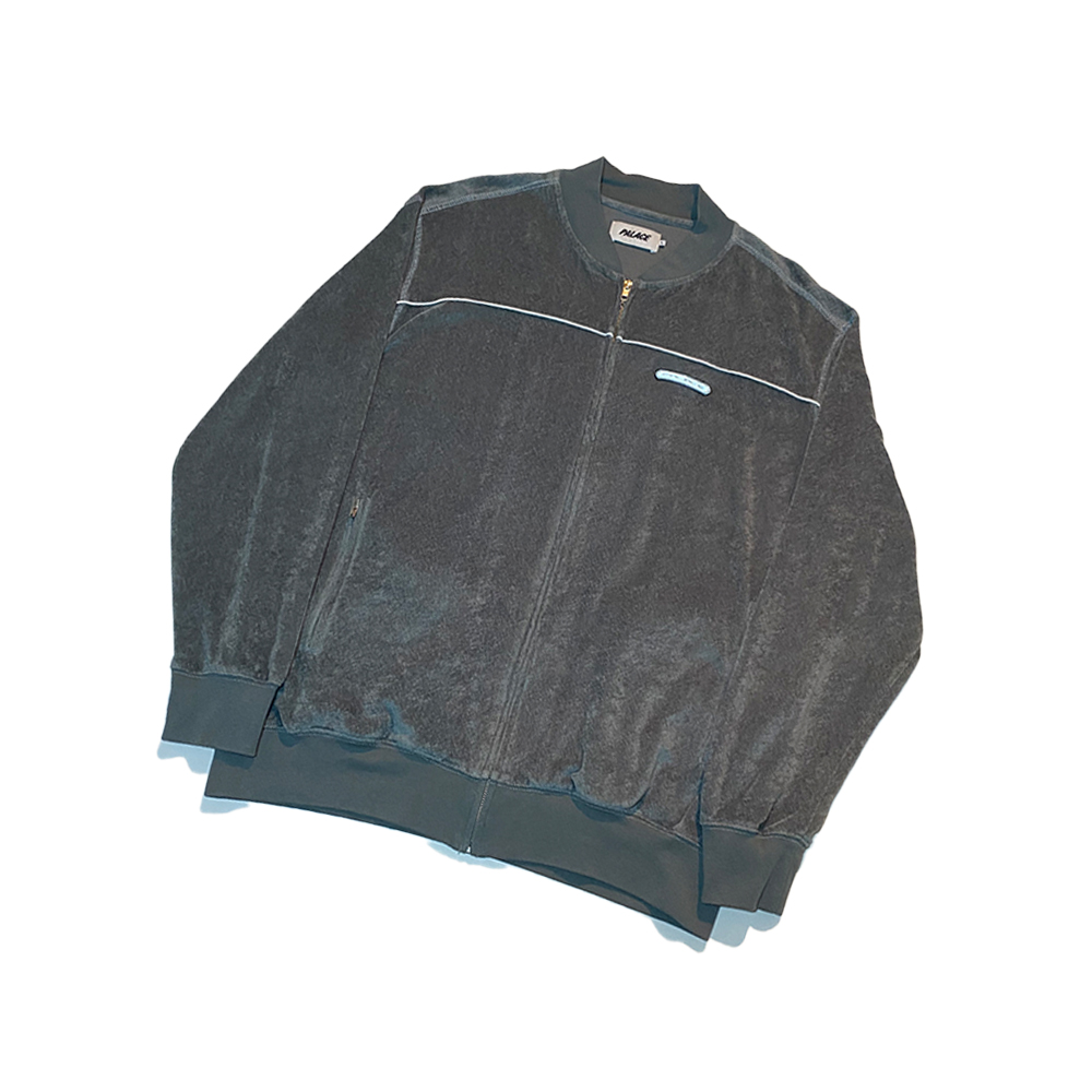 Velx_0000_Palace velaxation top silver large used straight copy